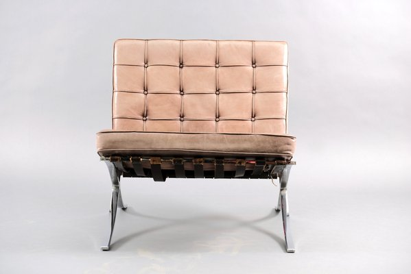 Vintage Barcelona Chair By Ludwig Mies Van Der Rohe For Knoll Inc Knoll International 1970s For Sale At Pamono