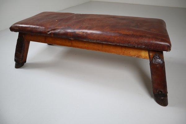 Patinierter Vintage Turnbock oder Tisch aus Leder, 1950er