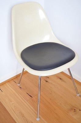 Stuhl Von Charles Ray Eames Fur Vitra 1960er Bei Pamono Kaufen