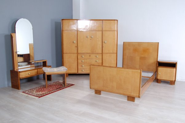 Art Deco Briarwood Complete Bedroom Set 1930s Set Of 5 For Sale At Pamono