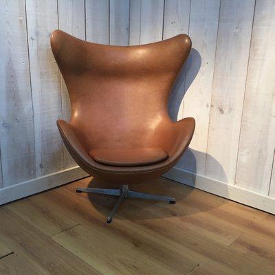 Molinari Accademia Design Fauteuil.Egg Chair In Pelle Di Arne Jacobsen Per Fritz Hansen 1964 In