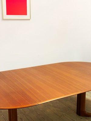 Mid Century Modern Round Teak, Modern Round Dining Table With Leaf