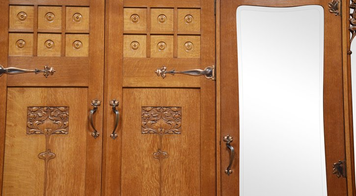 Armoire A 3 Portes Arts And Crafts En Chene En Vente Sur Pamono