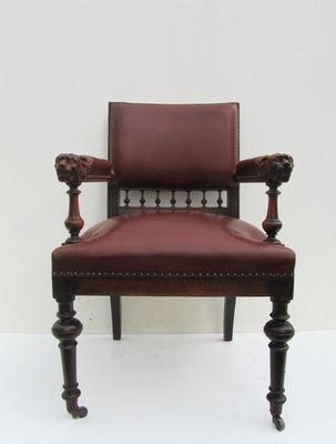 Antique Dutch Carved Oak Lion Head Arm Chair 7 & Antique Dutch Carved Oak Lion Head Arm Chair for sale at Pamono