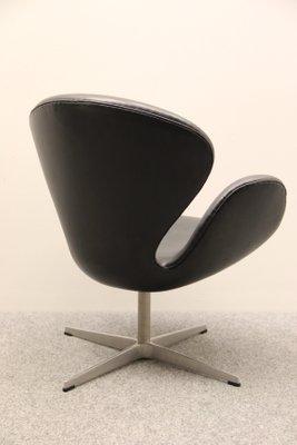 Vintage Swan Chair Von Arne Jacobsen Für Fritz Hansen Bei Pamono Kaufen