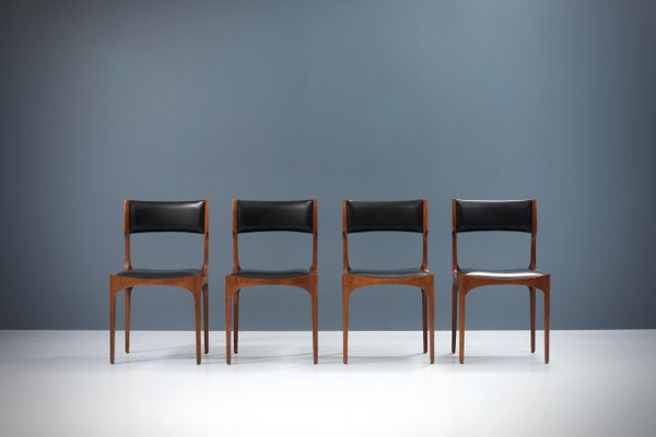 Italian Oak And Faux Leather Dining Chairs By Giuseppe Gibelli For Luigi Sormani 1962 Set Of 4 For Sale At Pamono