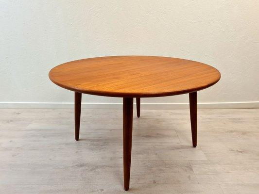 Danish Round Teak Coffee Table 1960s, Round Teak Coffee Table