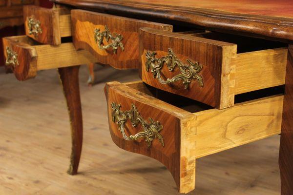 Credenza Con Decori : Credenza italiana in legno laccato e dipinto con decori floreali