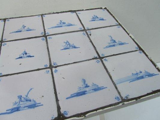 Tavolino vintage con piastrelle e paesaggi olandesi in vendita su pamono