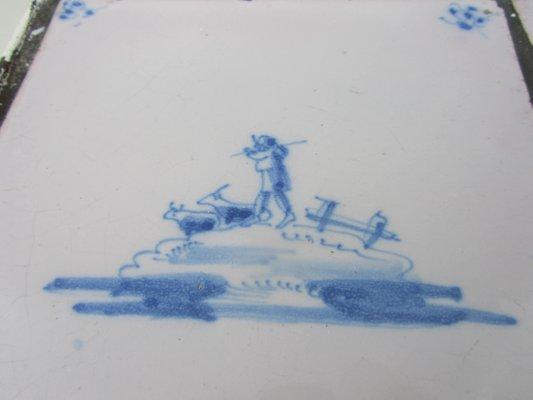 Tavolino vintage con piastrelle e paesaggi olandesi in vendita su