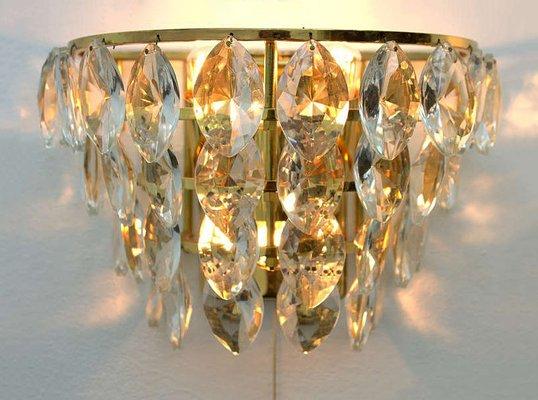 Applique da parete in ottone dorato e cristallo di palwa anni 60