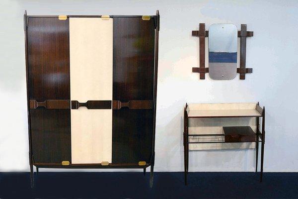 Kleiderschrank italienisches design  Italienischer Holz Kleiderschrank, 1950er bei Pamono kaufen