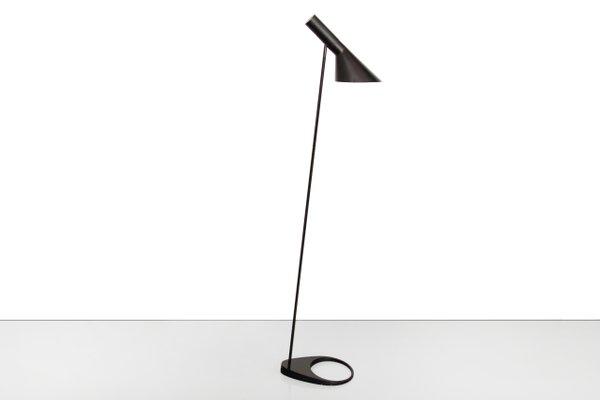 Schwarze Visor Stehlampe Von Arne Jacobsen Für Louis Poulsen 1950er
