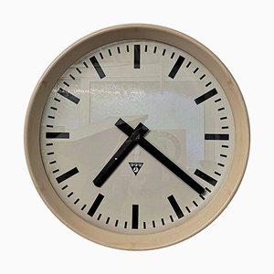 Grande Horloge de Bureau ou d'Usine en Bakélite Crème de Pragotron, République Tchèque, 1950s