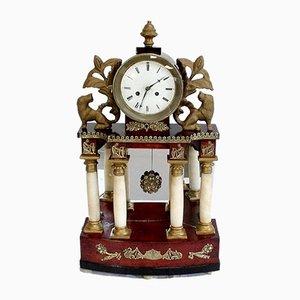 Empire Uhr aus Alabaster & Mahagoni, Mitte 19. Jh