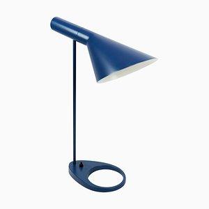 Lámpara de mesa en azul oscuro de Arne Jacobsen para Louis Poulsen