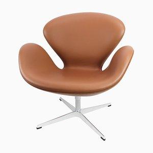 Sedia Swan modello 3320 di Arne Jacobsen per Fritz Hansen