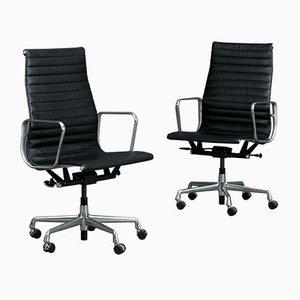 Chaise EA119 en Aluminium et Cuir par Herman Miller