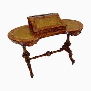 Antiker viktorianischer freistehender nierenförmiger Schreibtisch aus Nusswurzelholz mit Intarsien