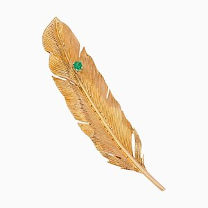 French and Emerald 18 Karat Yellow Gold Feather Brooch, 1960s
