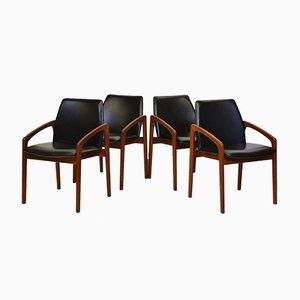 Dänische Mid-Century Modell 23 Esszimmerstühle aus Teak von Henning Kjærnulf für Korup Stolefabrik, 4er Set