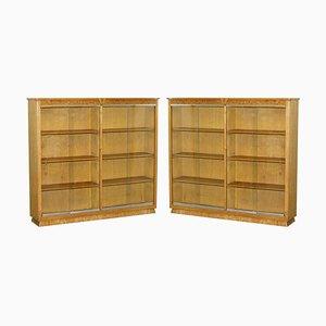 Passende englische Bücherregale aus Eiche mit glasierten Türen, 2er Set