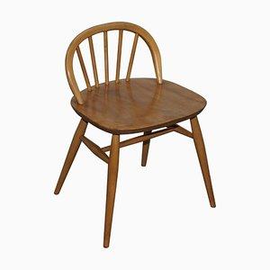 Kleiner Stuhl aus hellem Ulmenholz