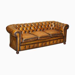 Englisches handgefärbtes englisches Chesterfield Club Sofa aus zigarrenbraunem Leder, 1960er