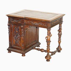 Venezianischer handgeschnitzter Schreibtisch aus Nussholz mit Drachen, 1840er