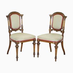 Viktorianische Beistellstühle aus vergoldetem Nussholz mit geschnitzten Rahmen, 2er Set
