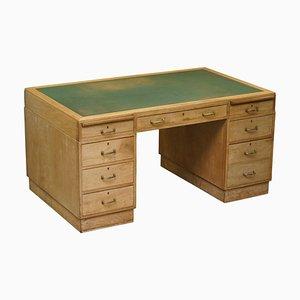 Art Deco Partner-Schreibtisch aus Nussholz mit grünem Leder, 1920er