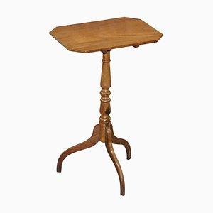 Viktorianischer Walnuss Dreibein Tisch mit Rechteckiger Tischplatte