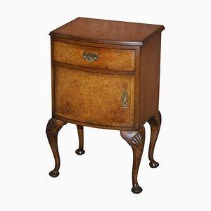 Queen Anne Wurzelholz Nachttisch mit geschnitzten Cabriole Beinen