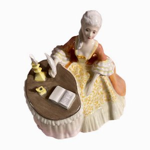 Figurine de Méditation HN2330 Vintage en Porcelaine par Margaret Davies pour Royal Doulton, 1971-1983
