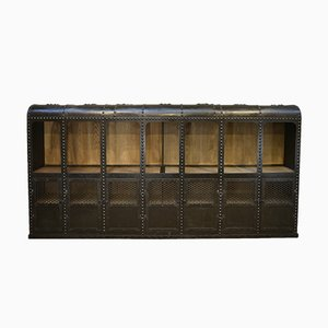 Industrielles 7-türiges Bücherregal oder Regal aus genietetem Eisen, 1900er