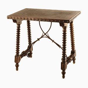 Tavolo in stile spagnolo in noce, XVI secolo