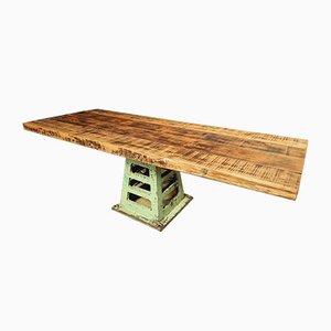 Antiker industrieller Ess- oder Gartentisch auf Gusseisenbein