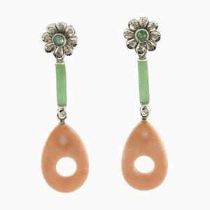 Ohrringe aus Grüner Jade, Smaragd, Diamant, Rosa Koralle und Weißgold, 2er Set