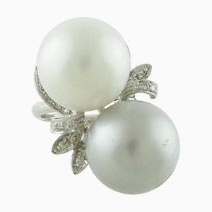 Handcrafted Contrariè Ring with White Diamond, White Grey Pearl and White Gold