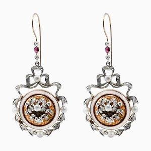 Handgefertigte Ohrringe aus 14 Karat Weiß- und Roségold mit Diamanten, Rubinen, Perlen und Perlen, 2er Set