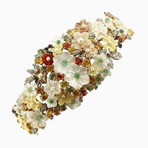 Bracciale artigianale con diamante, smeraldo, zaffiro, madreperla, corniola, perla e oro bianco a 14 carati