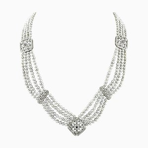 Collier Artisanal en Perles avec Diamants, Saphirs Bleus, Perle et Or Blanc 14 Carat