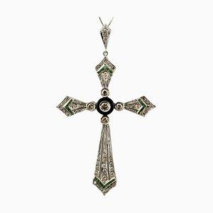 Halskette mit Kreuz, Diamanten, Smaragden, Onyx und 14 Karat Weißgold