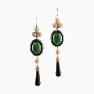 Hängende Ohrringe aus Diamanten, Rosa Koralle, Grünem Achat, Onyx und 14 Karat Weißgold, 2er Set