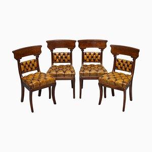 Restaurierte Chesterfield Esszimmerstühle aus Nussholz & braunem Leder, 4er Set