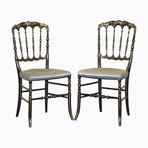 Regency Chinoiserie Stühle mit handbemalten & ebonisierten Blumenmustern, 2er Set