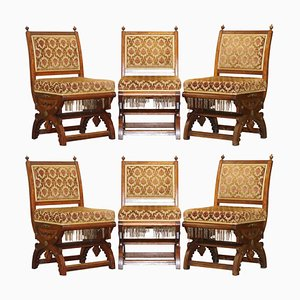Gothic Revival Stühle aus geschnitztem Nussholz & vergoldetem Metall, 6er Set