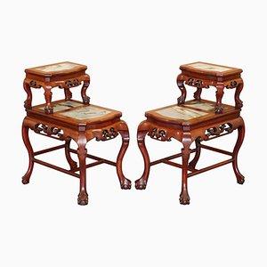 Chinesische handgeschnitzte Beistelltische aus Hartholz & Marmor mit Klauenfüßen, 2er Set
