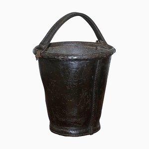 19. Jahrhundert Feuereimer aus Leder und Eisen mit Griff