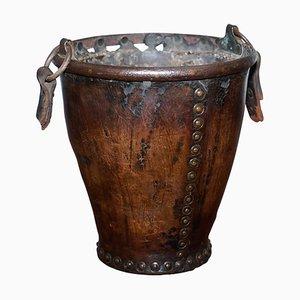 Leder und Eisen gebundener Eimer mit Originalgriff, 1740er